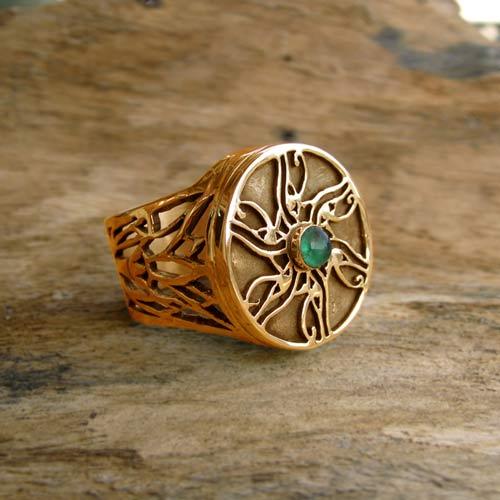 eye-of-horus-ring-gold