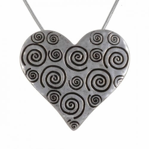 Swirls hart hanger